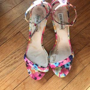 Steve Madden Stecy floral heel.